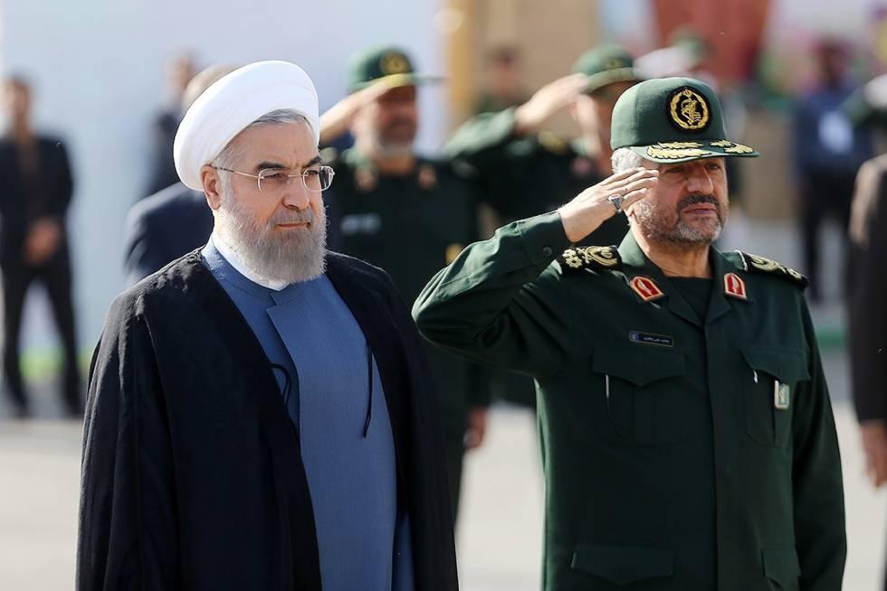 Rohani, junto al general Jafari, jefe de la Guardia Revolucionaria.