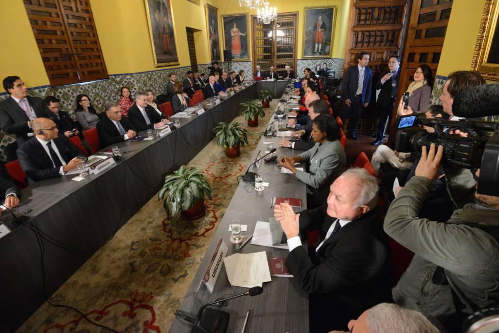 Cancilleres de América Latina y el Caribe más Canadá discuten en Lima acerca de la crisis venezolana.