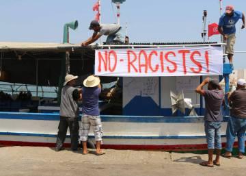 Los pescadores tunecinos bloquean el paso al barco ultra del Mediterráneo