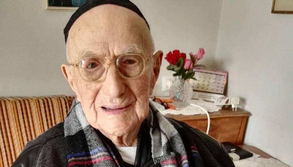 Yisrael Kristal, en enero de 2016 en su casa de Haifa.