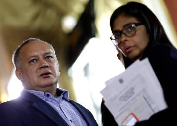 El chavismo maniobra para vetar a los opositores en las elecciones regionales