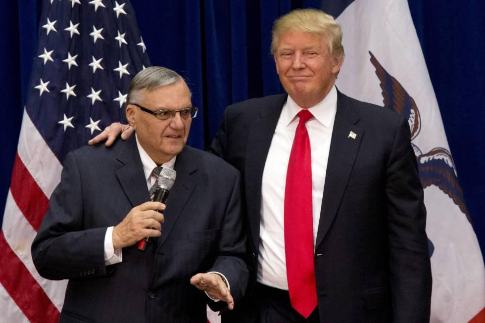 Trump y Arpaio en la campaña de Iowa, en enero de 2016.