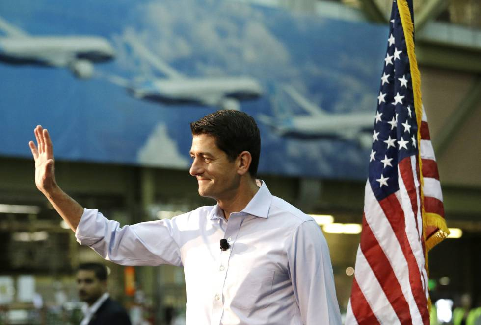 El líder de los republicanos en el Congreso, Paul Ryan, este jueves en la planta de Boeing en Everett (estado de Washington).