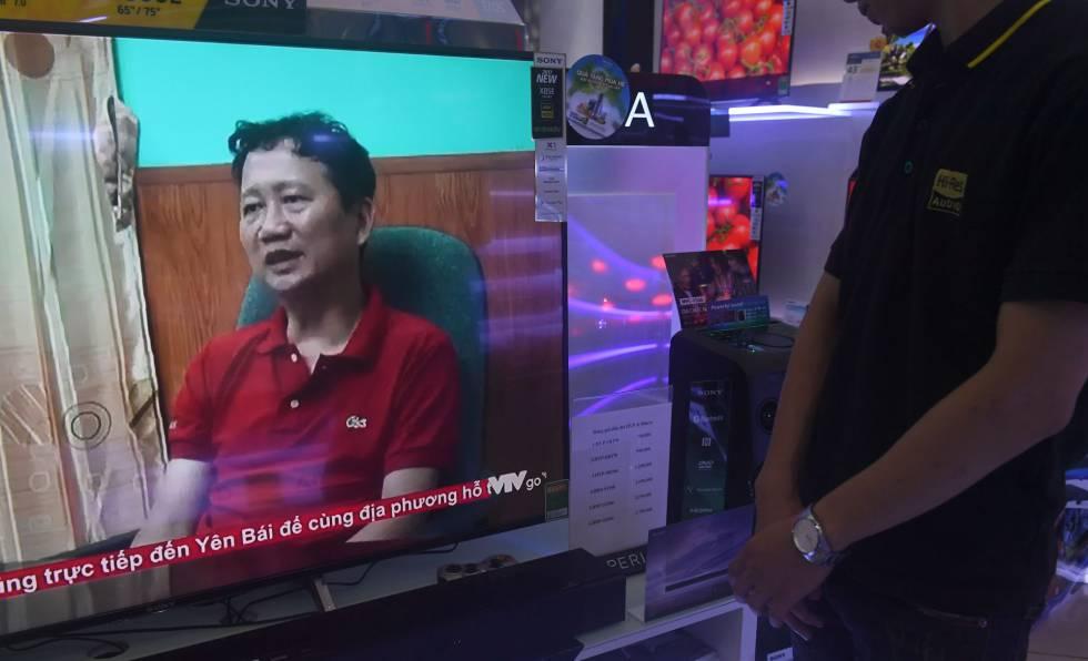 Imagen tomada a princpios de agosto en la que Trinh Xuan Thanh, supuestamente secuestrado en Berlín comparece en la televisión estatal vietnamita.