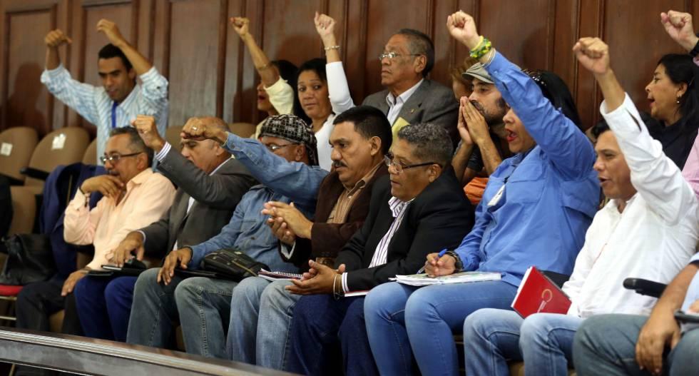 La Constituyente chavista aprueba procesar a dirigentes de la oposición por traición a la patria