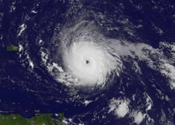 """El gobernador Rick Scott: """"Irma tiene potencial para devastar Florida"""""""
