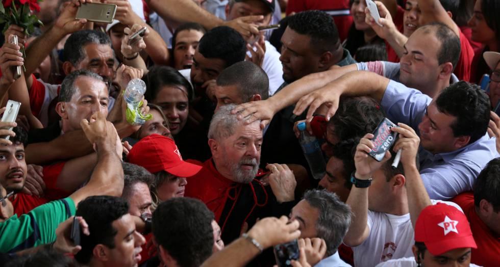 Lula, aclamado la pasada semana en un acto en el Estado de Sergipe.