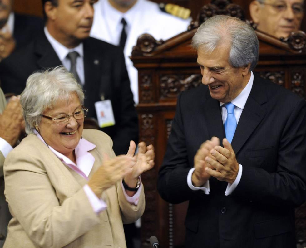 Lucía Topolansky, junto al presidente uruguayo, Tabaré Vázquez, en una imagen de 2015.rn