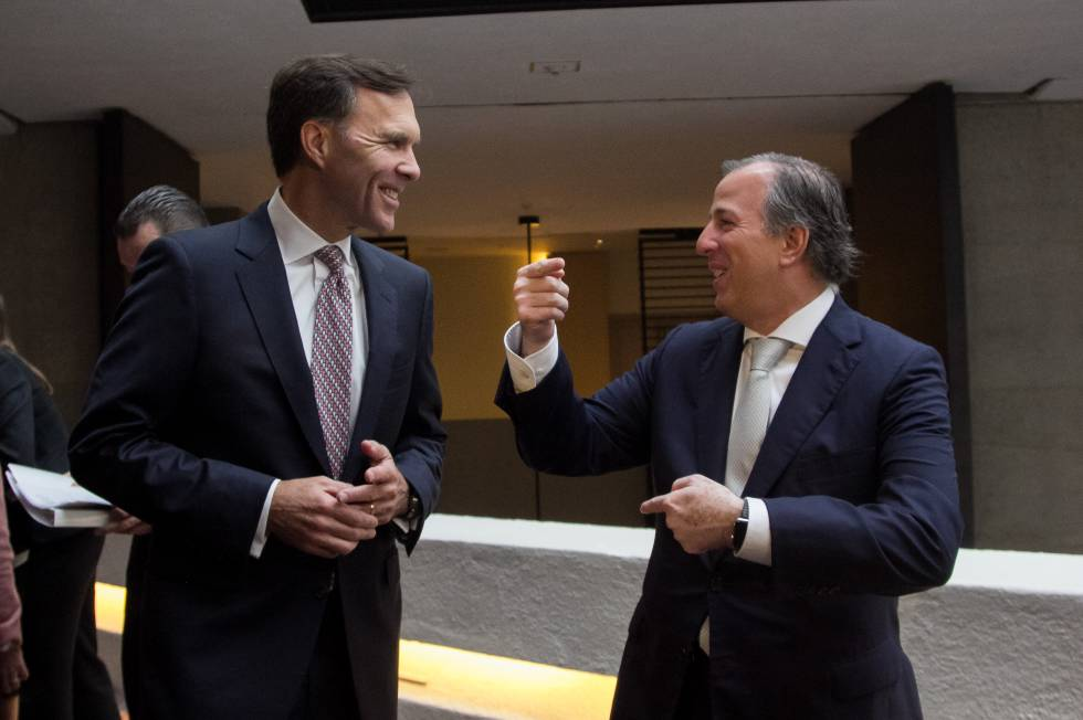 William Morneau y José Antonio Meade, este jueves en México.
