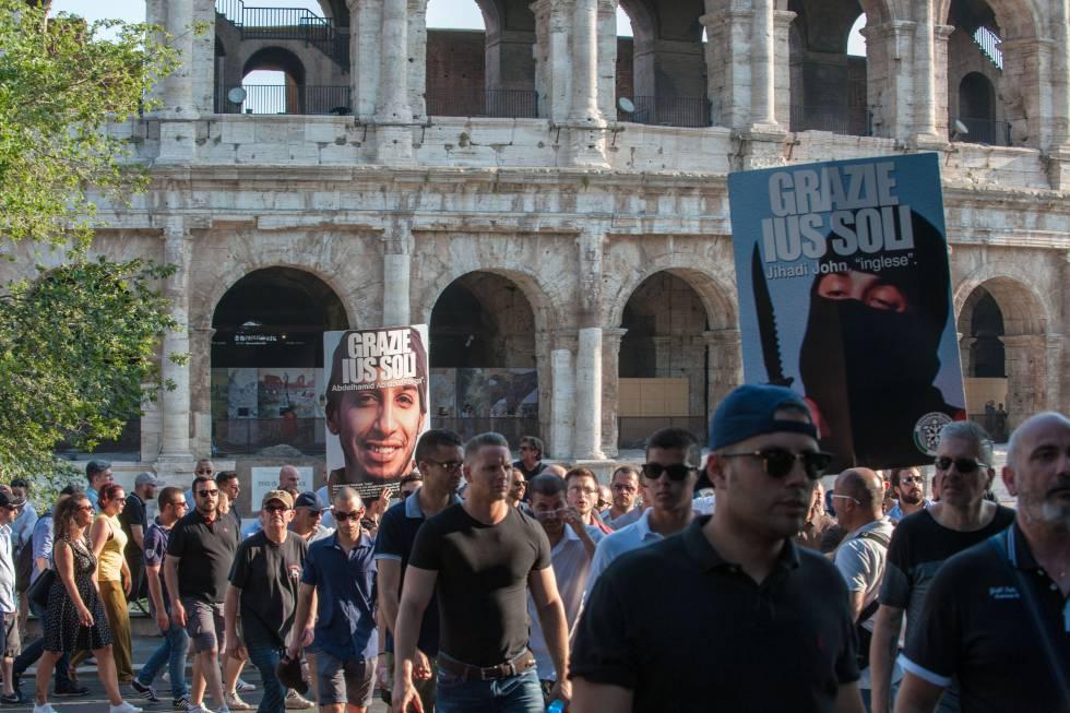 Manifestación de CasaPound contra la ley que permitiría a los hijos de inmigrantes nacidos en Italia tener la nacionalidad.