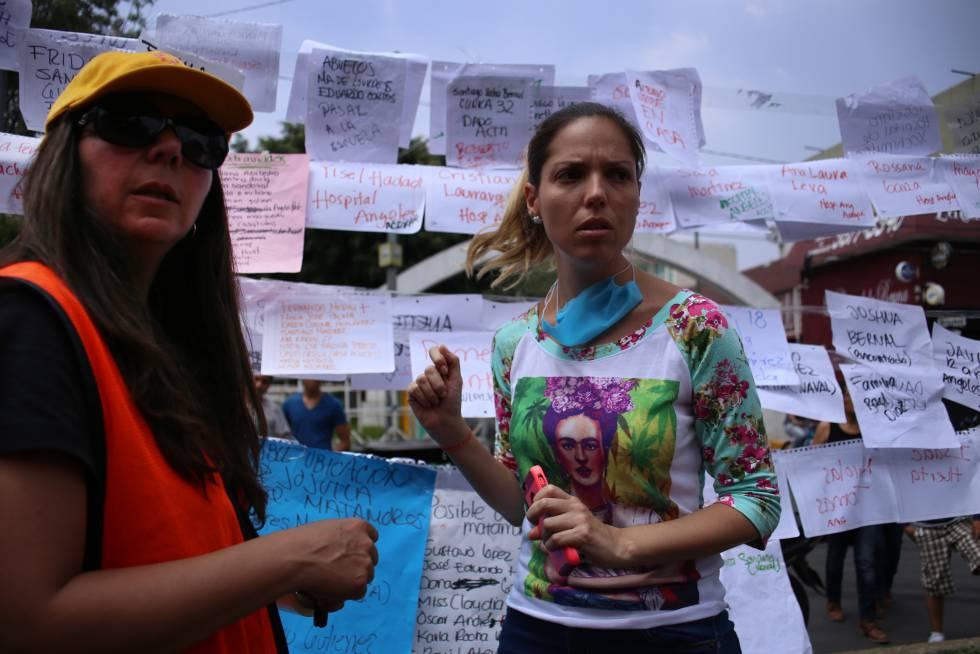 Elena Villaseñor, a la izquierda.