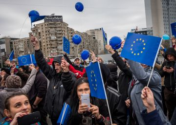 Romanians keep their faith in Europe