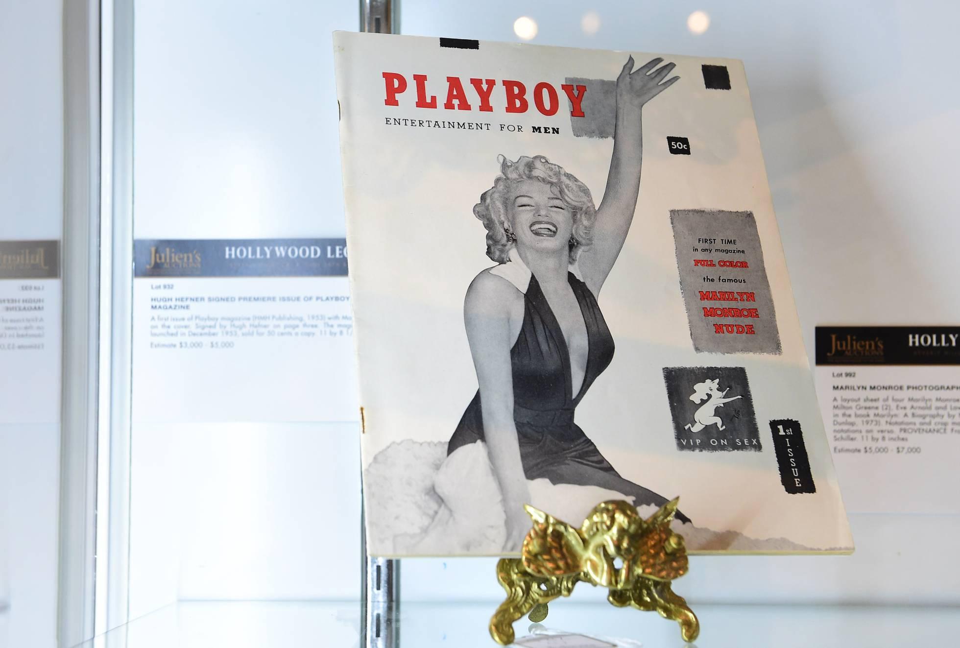 A primeira edição da revista 'Playboy', 1953, apresentava uma Monroe nua nos seus dobrados centrais.'Playboy', de 1953, llevaba un desnudo de Monroe en sus páginas centrales.
