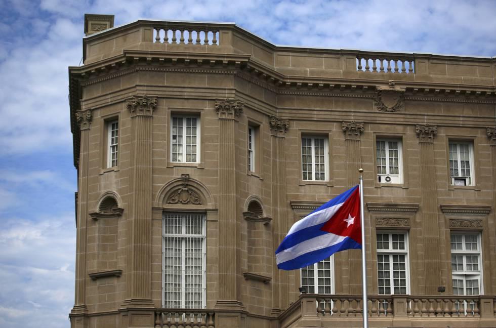 Fachada de la nueva embajada de Cuba en Washington.