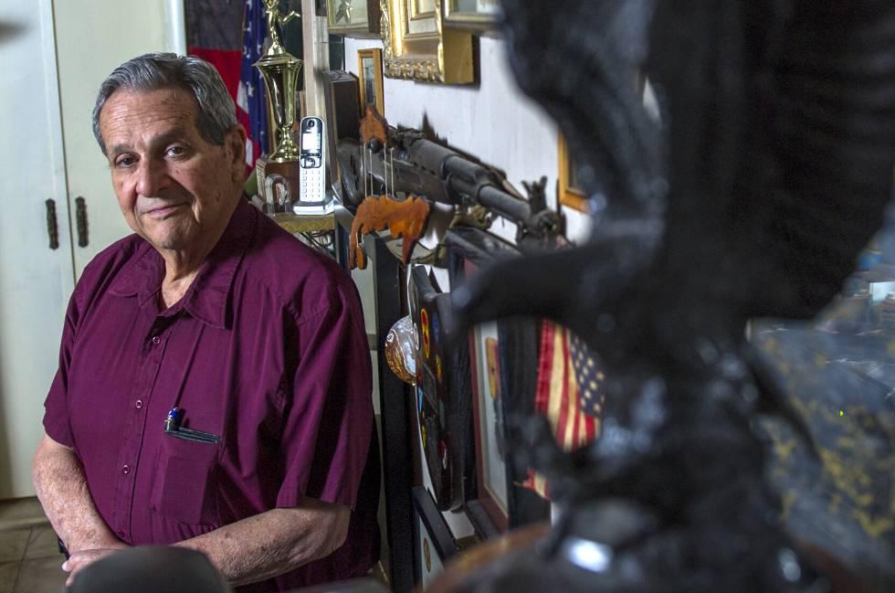 Félix Rodríguez, em sua casa de Miami.