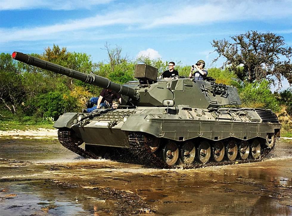 Turismo de guerra um lugar para dirigir e disparar um for Tanques para cachamas