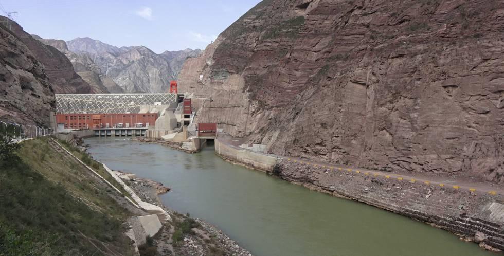 1508060128 923609 1508173311 sumario normal - A poluição atinge até o paraíso mais remoto da China
