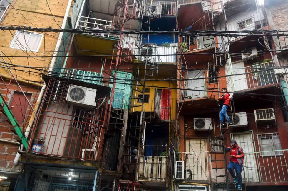 Argentina los habitantes en villas miseria de buenos for Villas miserias en argentina