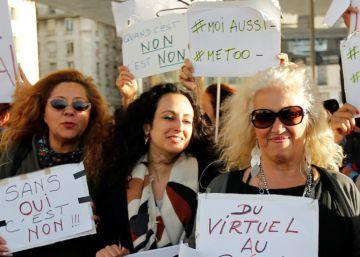 Manifestantes contra el acoso sexual este domingo en París.
