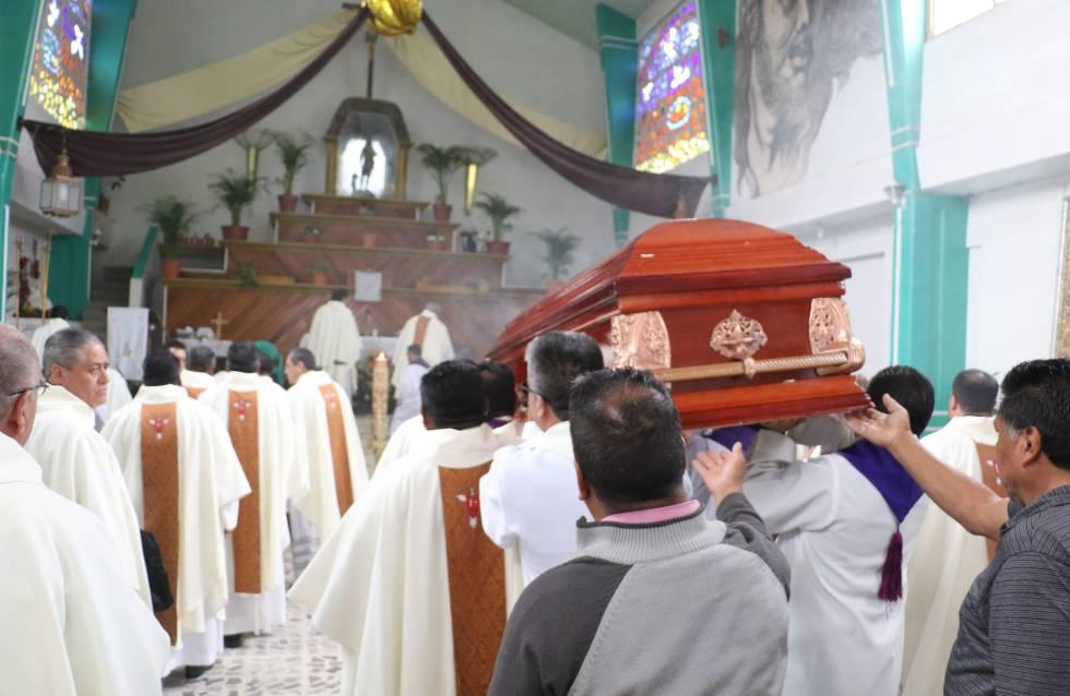 Resultado de imagem para Matança de padres no México