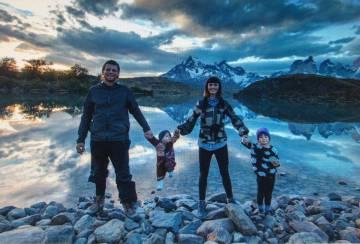 Adam Harris Heart, de 39 años, y Emily Faith Heart, de 37, viajan por el continente suramericano con sus dos hijas de 3 y 7 años desde 2012. Brasil, 1 de noviembre de 2017.