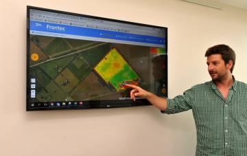 Collivignarelli muestra un campo analizado con el sistema Frontec.