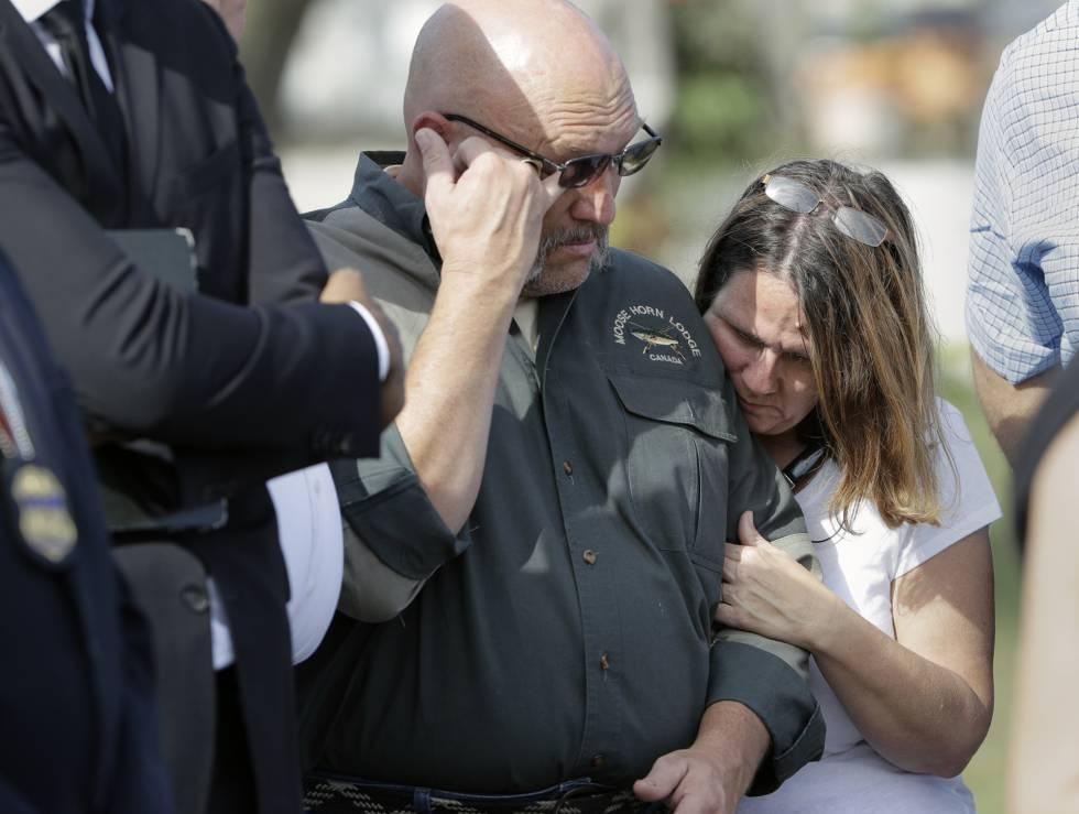 El pastor Pomeroy y su esposa, cuya hija de 14 años fue asesinada.