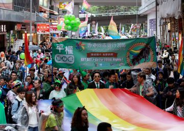 'Cura gay' na China usa de hipnose a eletrochoques