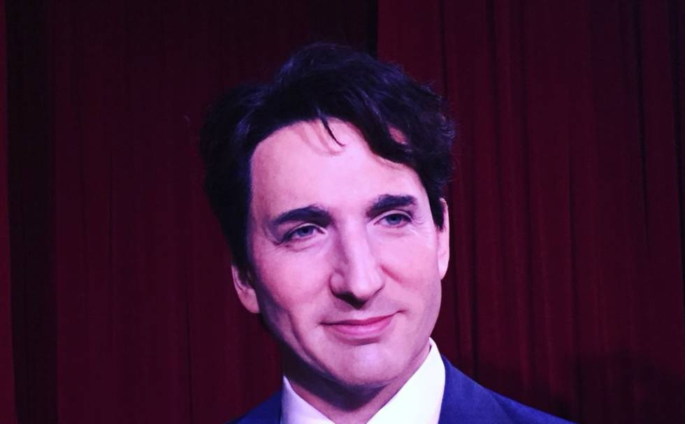Imagen frontal de la talla de cera de Justin Trudeau.