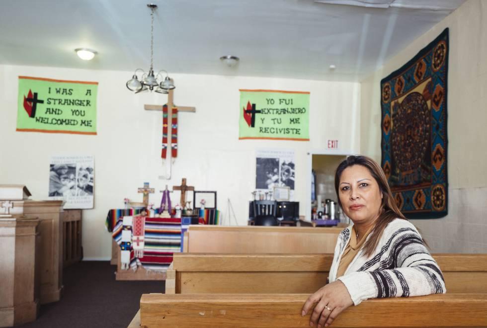 Francisca Lino, refugiada en la Iglesia Metodista Unida Adalberto, en Chicago.