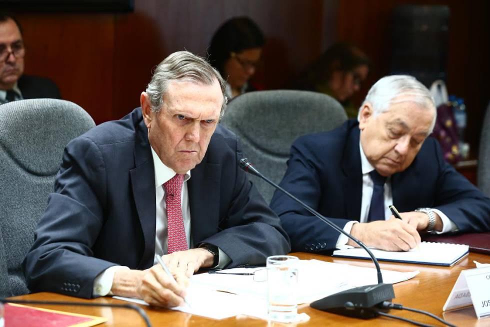 José Graña Miró Quesada (izquierda), en la comisión investigadora de 'Lava Jato'.