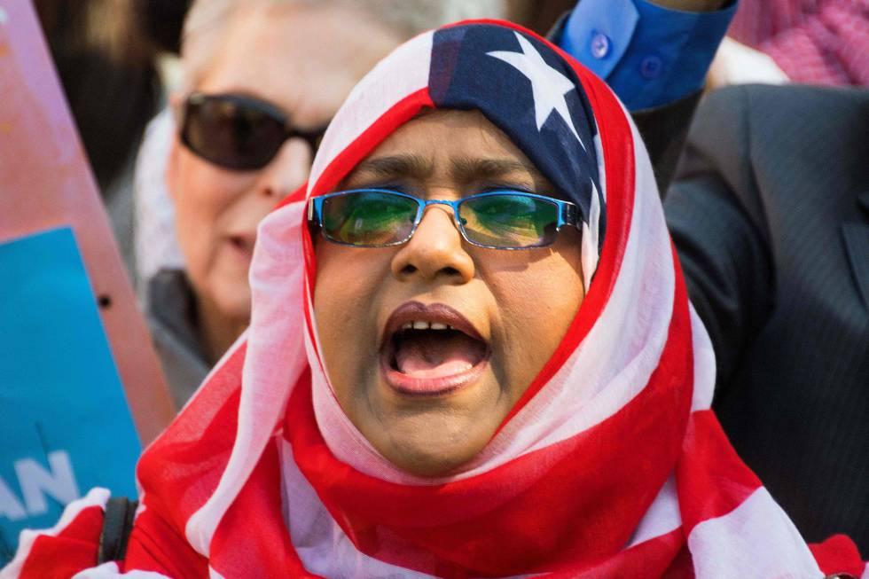 Una manifestante contra el veto migratorio el 18 de octubre pasado en Washington.