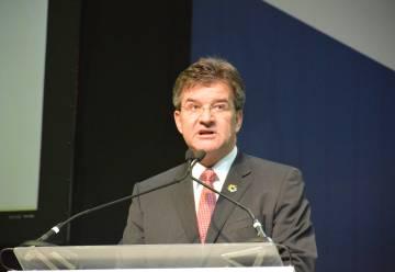 Miroslav Lajčák durante la clausura del pacto mundial de migración