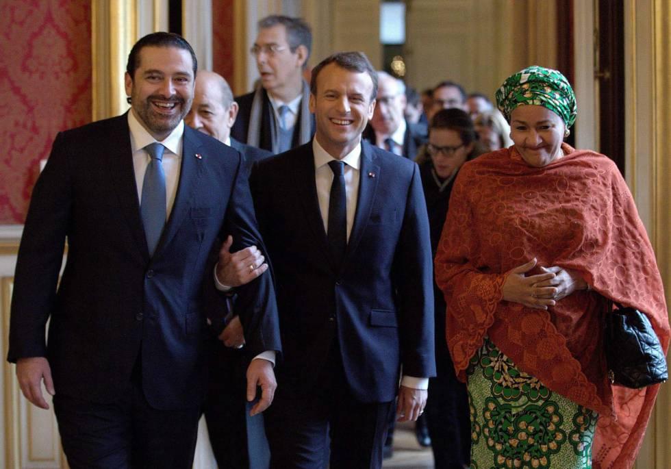 El primer ministro libanés, Saad Hariri, el presidente francés, Emmanuel Macron y la vicesecretaria general de la ONU, Amina Mohammed, en París