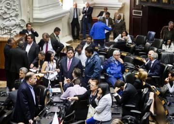 La esquizofrenia de los parlamentos paralelos de Venezuela