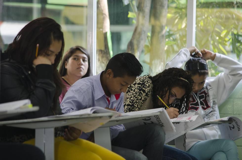 Estudiantes de bachillerato de la Ciudad de México.