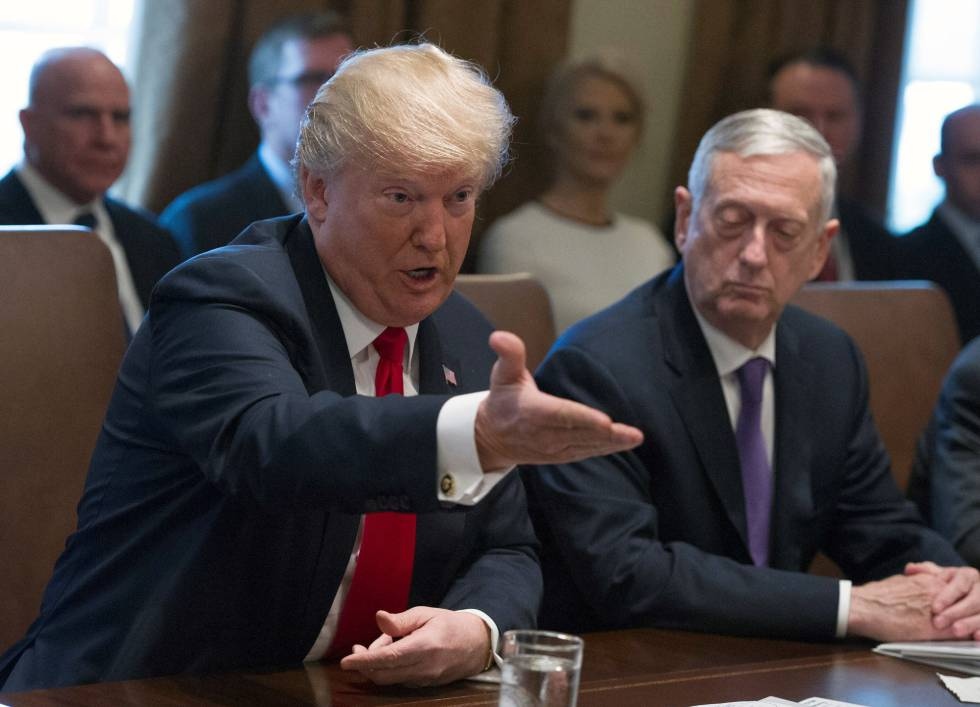 El presidente estadounidense, Donald Trump, hoy en el Consejo de Ministros celebrado en la Casa Blanca.