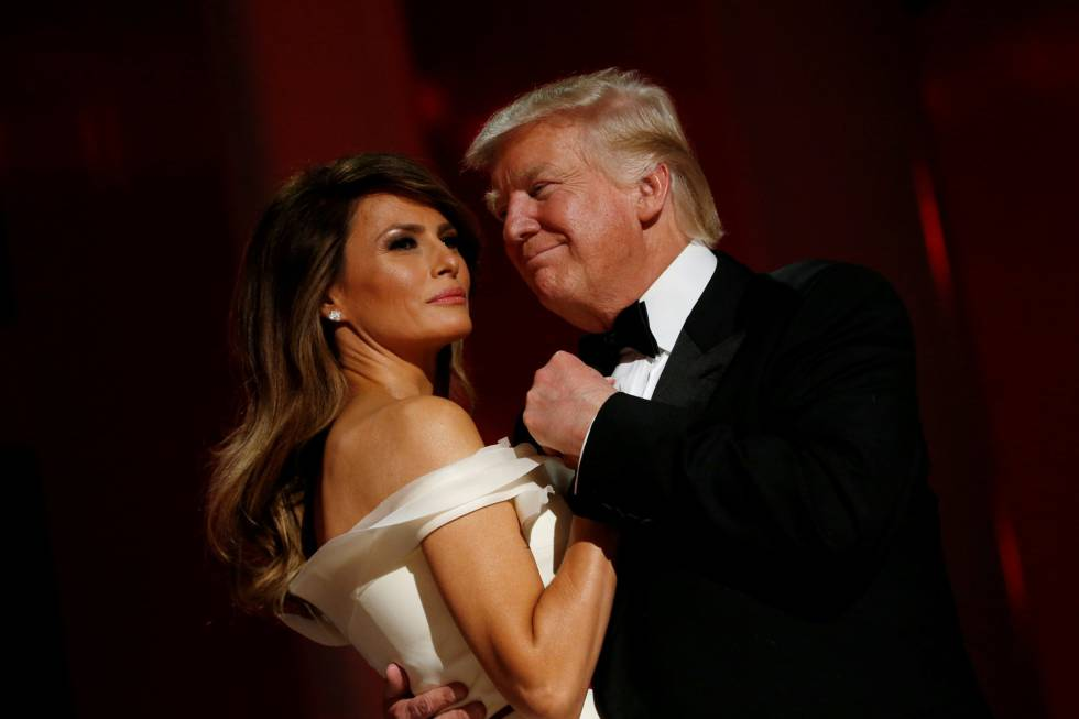 Donald Trump dança com a esposa, Melania.