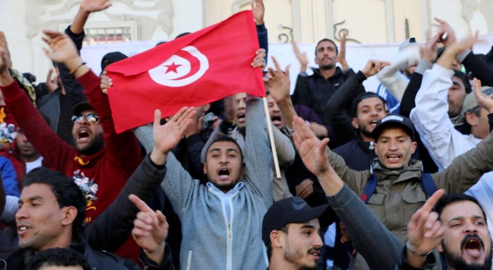 A tensão social renasce no berço da Primavera Árabe