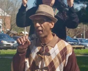 Ray Kelly, presidente de la organización social Coalición Sin Fronteras, que ayuda a los vecinos de West Baltimore