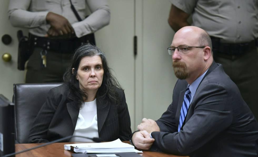 Louise Turpin y su abogado, el jueves en el juzgado de Riverside, California.