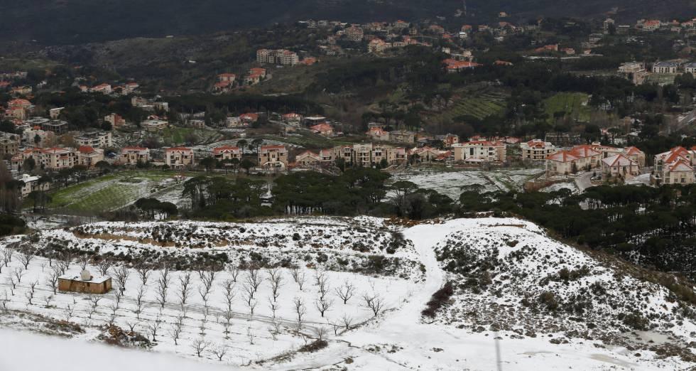 La nieve cubre los campos de Saufar, en las montañas de Líbano.