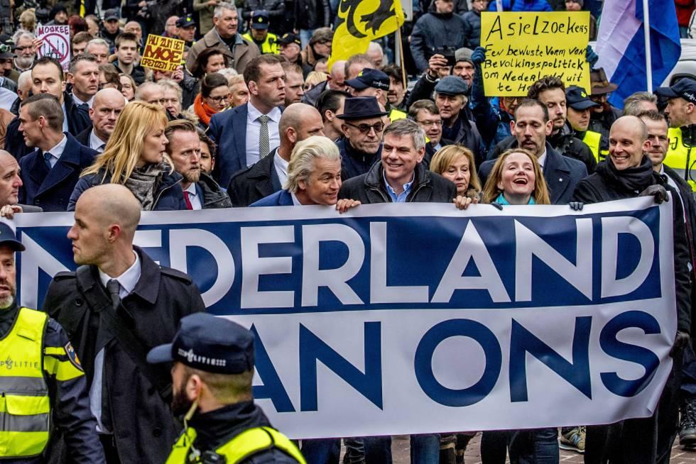 Wilders en la manifestación este sábado en Róterdam.