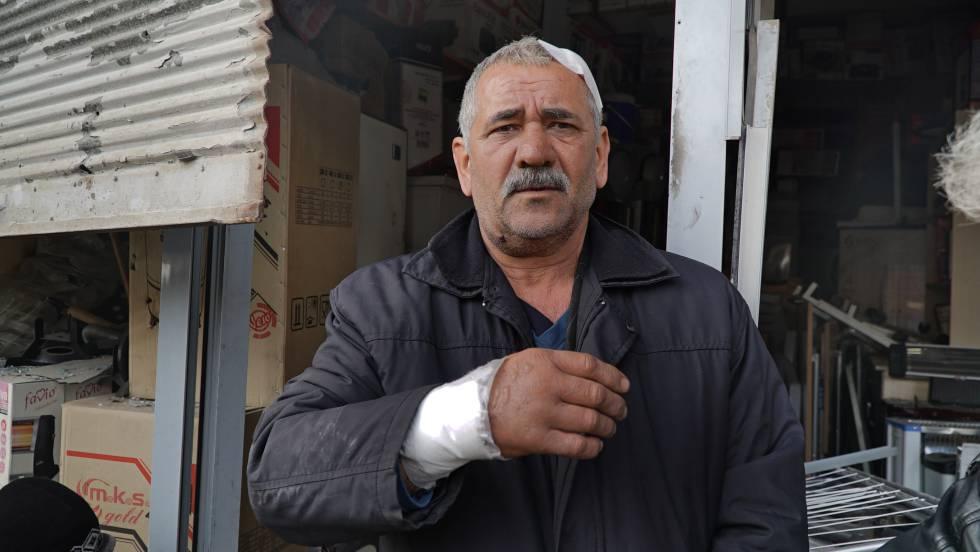 Mehmet Gürler, herido tras explotar un proyectil lanzado desde Siria por las milicias kurdas YPG en la localidad turca de Reyhanli. Una persona murió y una cincuentena sufrieron heridas de diversa consideración tras caer once proyectiles en Reyhanli este domingo.