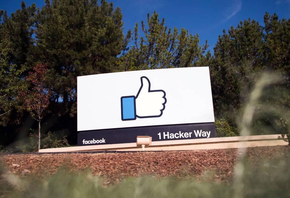 Logo de la sede principal de Facebook en Menlo Park (California).
