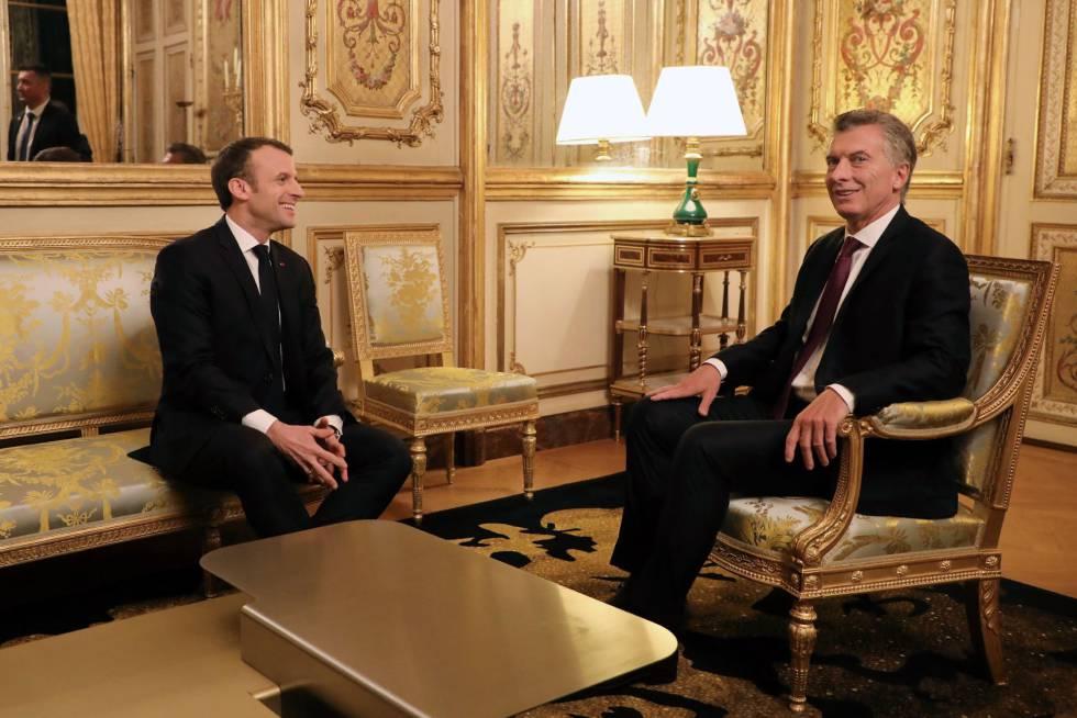 Los presidentes Emmanuel Macron y Mauricio Macri en el Elíseo
