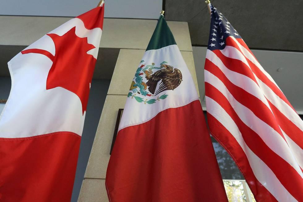 Las banderas de Canadá, México y EE UU, en una de las últimas rondas de negociación del TLC.