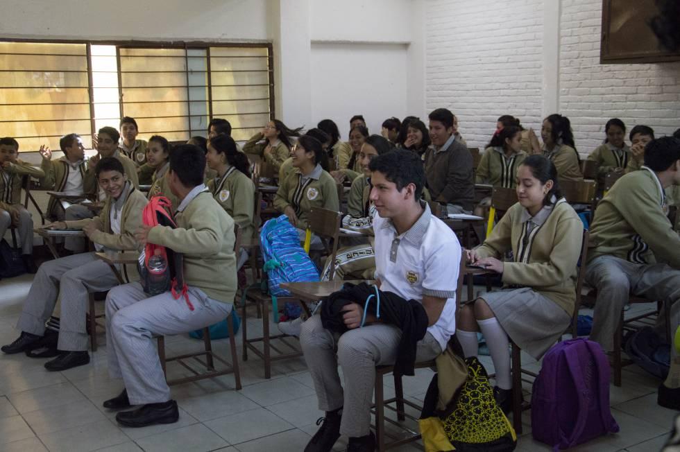 Estudiantes de una secundaria técnica en la Ciudad de México.