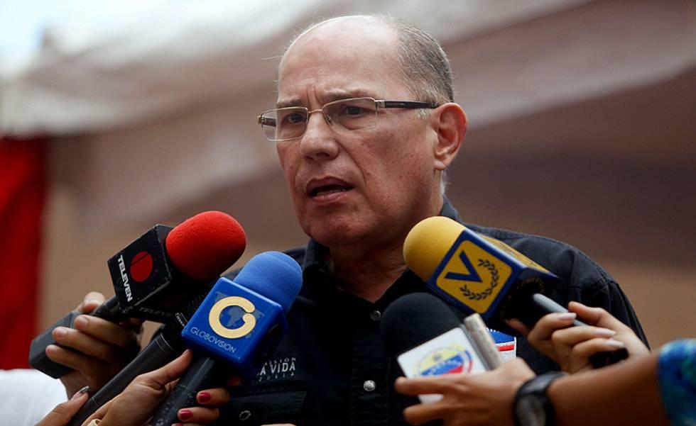 Juan Carlos Dugarte, director del Saime, niega que haya problemas en la emisión de pasaportes.