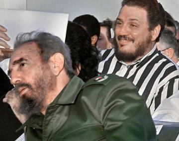 Fidel Castro Diaz-Balart con su padre en 2002.